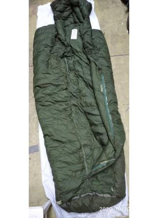 Теплый, зимний , спальный мешок Британской армии, старого образца пух (перо), б/у